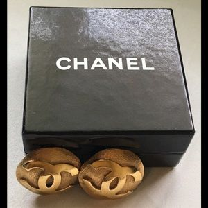Vintage CHANEL clips on